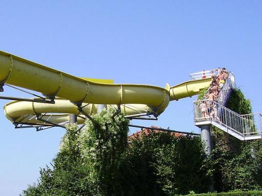 640px-zapfendorf-rutsche.jpg