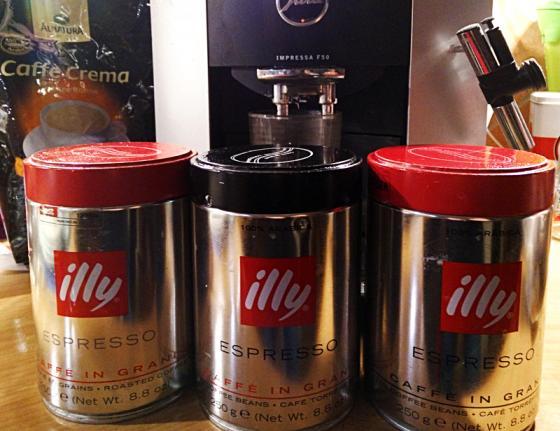 kaffee_in_hohen_dosen.jpg